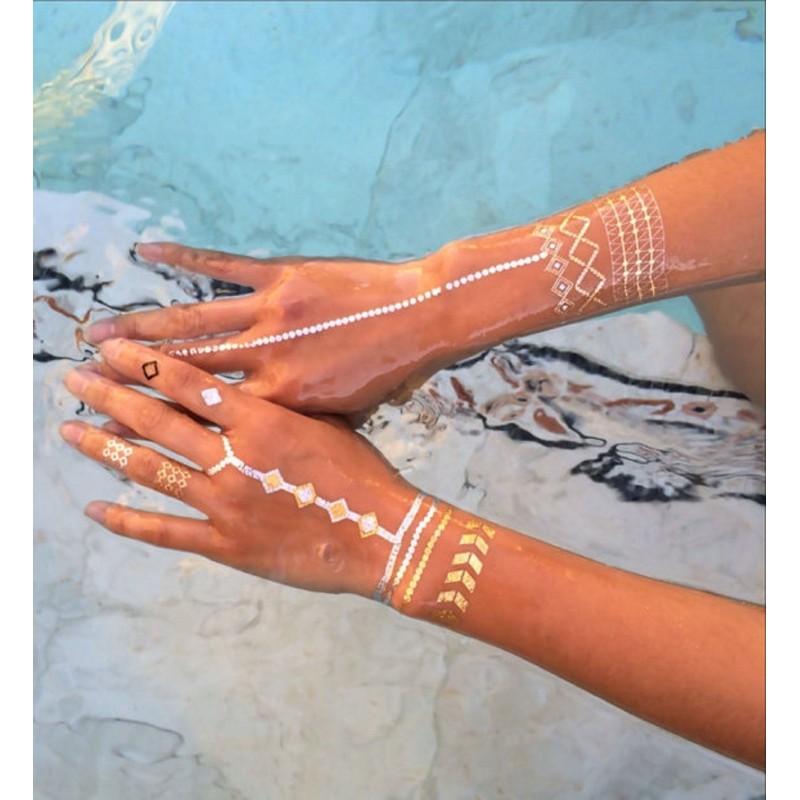 tatouage temporaire argent or plume de paon creastic bracelet elastiques kit loom. Black Bedroom Furniture Sets. Home Design Ideas